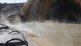 Geotermisk brunnsort för varm vår stock video