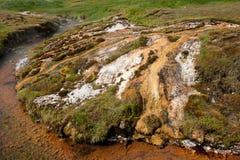 Geotermisk dal nära Hveragerdi, termiska vårar, Island Fotografering för Bildbyråer