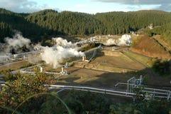geotermisk ström för fält Arkivfoto