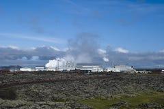 geotermisk strömstation Arkivfoto