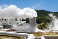 geotermisk strömstation för alternativ energi Arkivfoton