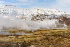 Geotermiska lufthål Geysir Island Arkivbild