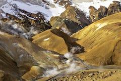 Geotermiskt område för Hveradalur dal i Kerlingarfjoll Fotografering för Bildbyråer