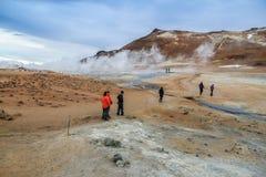 Geotermiskt område Namafjall Hverir i Island Royaltyfri Foto