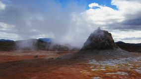Geothermisch gebied in Hverir stock footage
