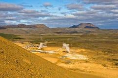 Geothermischer Bereich Namafjall östlich des Sees Myvatn bei Nord-Island Lizenzfreie Stockfotografie