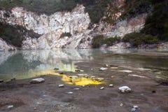 Geothermischer See Lizenzfreie Stockfotos