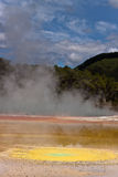 Geothermisches buntes Pool Stockfotografie