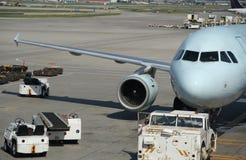 Gepäck-Fahrzeuge stockbilder
