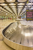 Gepäckgurt im Flughafen Stockbild