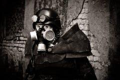Gepantserde postnuclear strijder stock afbeelding