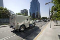 Gepantserde vrachtwagen stock afbeelding