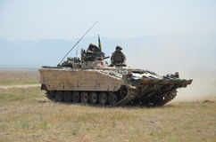 Gepanzerte Fahrzeuge in Afghanistan stockbilder