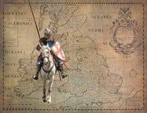Gepanzerter Ritter auf Warhorse - Retro- Postkarte Stockfotos