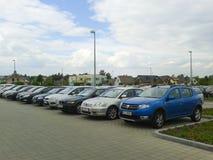 Geparkeerde auto's Raben Stock Afbeeldingen