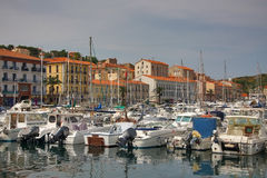 Geparkeerde boten Haven vendres frankrijk 13 juni, 2015 Stock Afbeelding