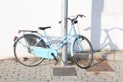 Geparkeerde fiets Royalty-vrije Stock Foto
