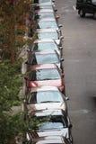 Geparkte Autos stockfotos