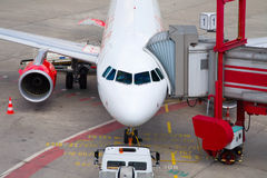 Geparkte Flugzeuge geparkt Lizenzfreies Stockbild
