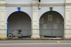 Geparktes Fahrrad Stockbilder
