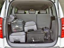 Gepäck in Van Lizenzfreie Stockfotografie