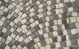 Gepflasterte Kopfsteinstraße Lizenzfreie Stockbilder