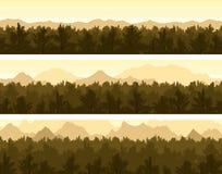 Geplaatst bos en bergen Stock Afbeelding