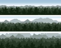 Geplaatst bos en bergen Stock Fotografie