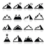 Geplaatste bergenpictogrammen Royalty-vrije Stock Foto's