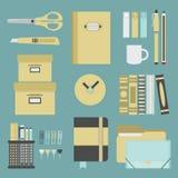 Geplaatste bureaulevering en kantoorbehoeftenpictogrammen Vector Illustratie