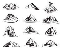 Geplaatste de pictogrammen van de berg Stock Afbeeldingen