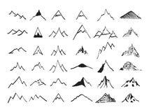 Geplaatste de pictogrammen van de berg Getrokken hand Stock Afbeelding