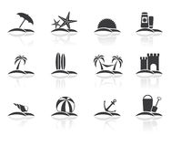 Geplaatste de pictogrammen van de strandvakantie Stock Afbeeldingen