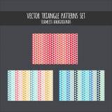 Geplaatste driehoekspatronen Rode, roze, blauwe, gele vector naadloze achtergronden Driehoekige illustratie Stock Foto