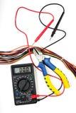 Geplaatste elektricien - multimeter, snijders, draden royalty-vrije stock afbeelding