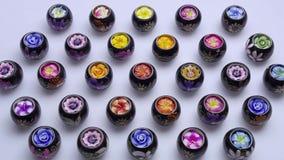 Geplaatste kaarsen Aromatische Kaarsen Thaise candles spa stock afbeeldingen