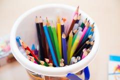 Geplaatste kleurpotloden Royalty-vrije Stock Foto's