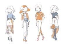 Geplaatste maniermeisjes Hand getrokken creatieve illustratie met mooie kleurenmeisjes in vrijetijdskleding met zakken, schoenen  Stock Foto