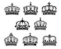 Geplaatste Ornated heraldische koninklijke kronen royalty-vrije illustratie
