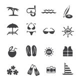 Geplaatste pictogrammen van de strand de openluchtactiviteit Stock Afbeeldingen