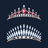 Geplaatste tiarakronen Huwelijksdiadeem met diamanten en gemmen Royalty-vrije Stock Foto's