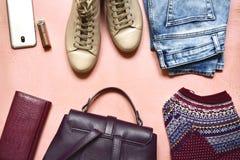 Geplaatste vrouwenkleding - laarzen en jeans Hoogste mening met exemplaar s Stock Afbeelding