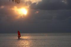 Geplaatste zon windsurf Royalty-vrije Stock Foto
