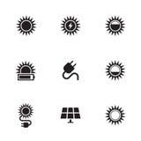 Geplaatste zonne-energiepictogrammen royalty-vrije illustratie