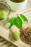 Gepoederde groene thee Stock Afbeeldingen