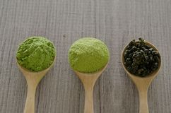 Gepoederde matcha groene thee Stock Foto's