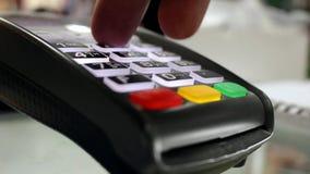 Gerät der bargeldlosen Zahlung stock footage