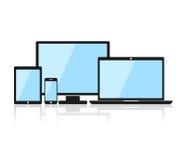 Gerät-Ikonen: Smartphone, Tablette, Laptop und Tischrechner Schwarzes Gerät in der flachen Art lokalisiert auf weißem Hintergrund Lizenzfreie Stockfotos