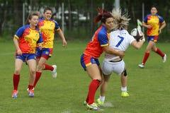 Gerät während des weiblichen Rugbyspiels Lizenzfreie Stockfotos