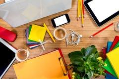 Geräte auf dem Tisch Stockbild